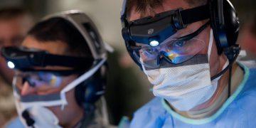 Czym zajmuje się neurolog i kiedy warto go odwiedzić?